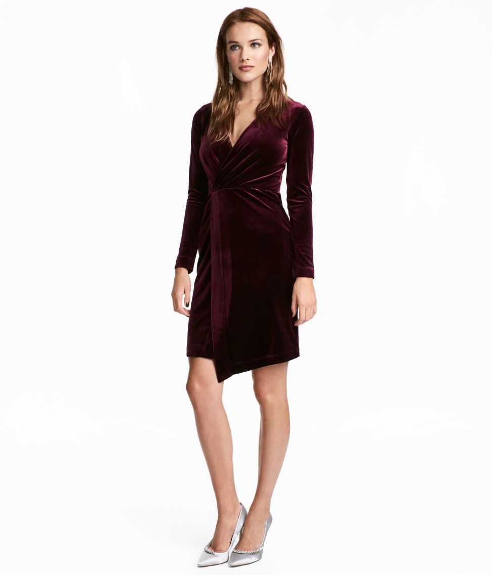 Check this out longsleeved dress in velour with a vneck and