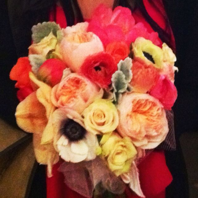 This bouquet is everything I want! Think I have my color palette:) pink, coral, yellow, and a splash of minty green! All naturals!
