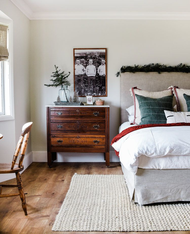 Farmhouse christmas decorating ideas from boxwoodavenue also decor our guest bedroom rh pinterest