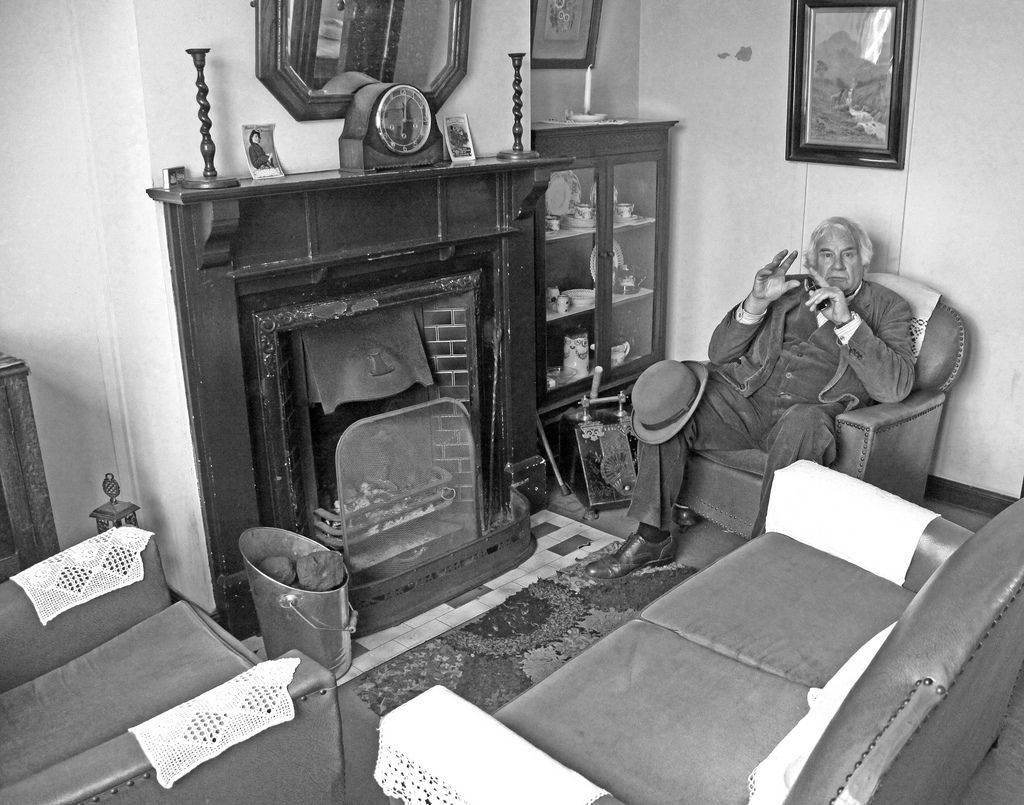 Old Living Room 1940 1940s living room - google search | 1940's and the wartime home