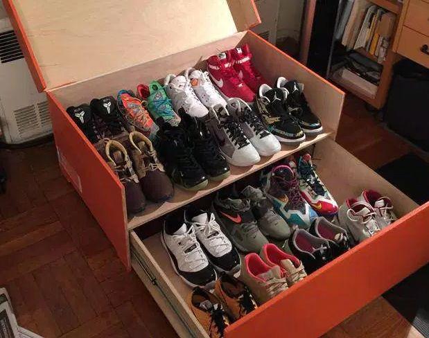 Nike Sneakers Une Boite De Rangement Geante Shoe Box Sneaker Storage Sneaker Storage Box