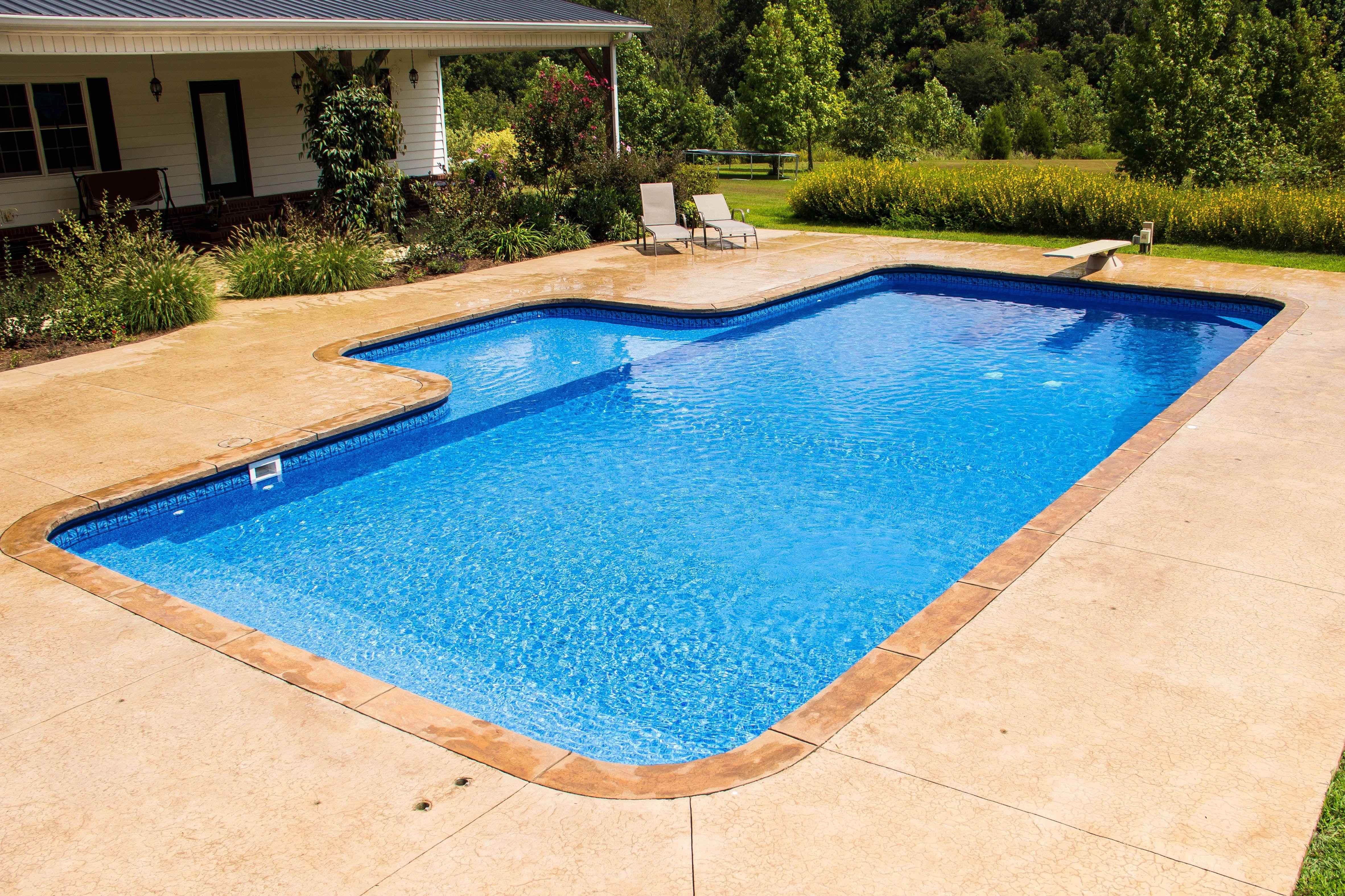 Aloha Pools And Spas Of Jackson Llc 614 Carriage House Dr Jackson Tn 38305 Tel 73 Pools Backyard Inground Backyard Pool Landscaping Swimming Pools Backyard