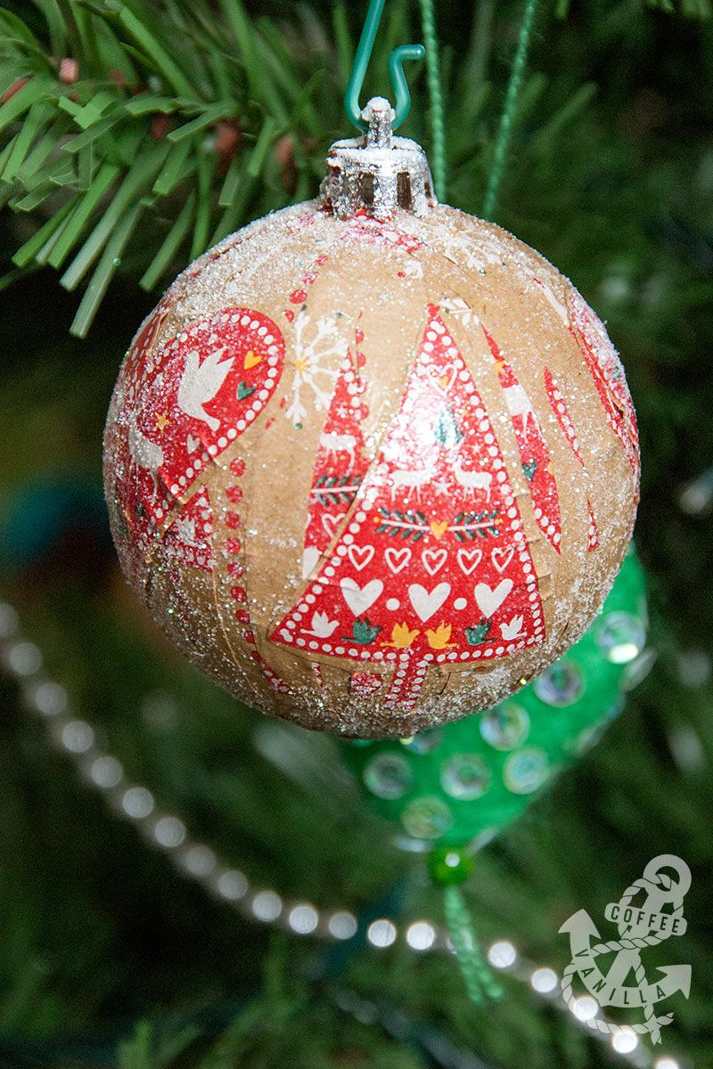 Decoupage Baubles , Upcycled DIY Christmas Decorations on a