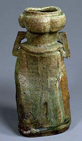 Genuine Iga flower vase,  Momoyama Period (1573-1615) Collection of Tokyo National Museum