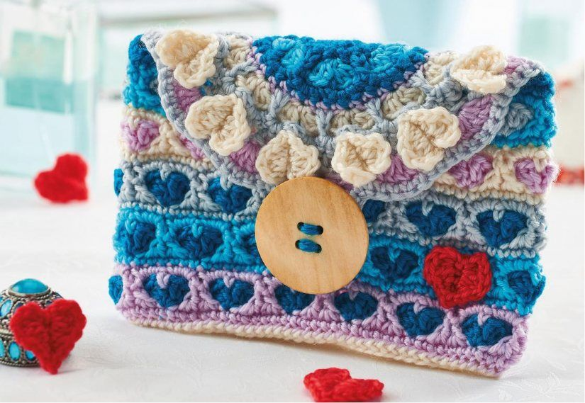 Free Crochet Pattern Heart Clutch Bag At The Drop Of A Bag