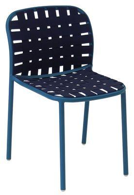 Chaise empilable Yard / Sangles élastiques Bleu - Emu - Décoration ...