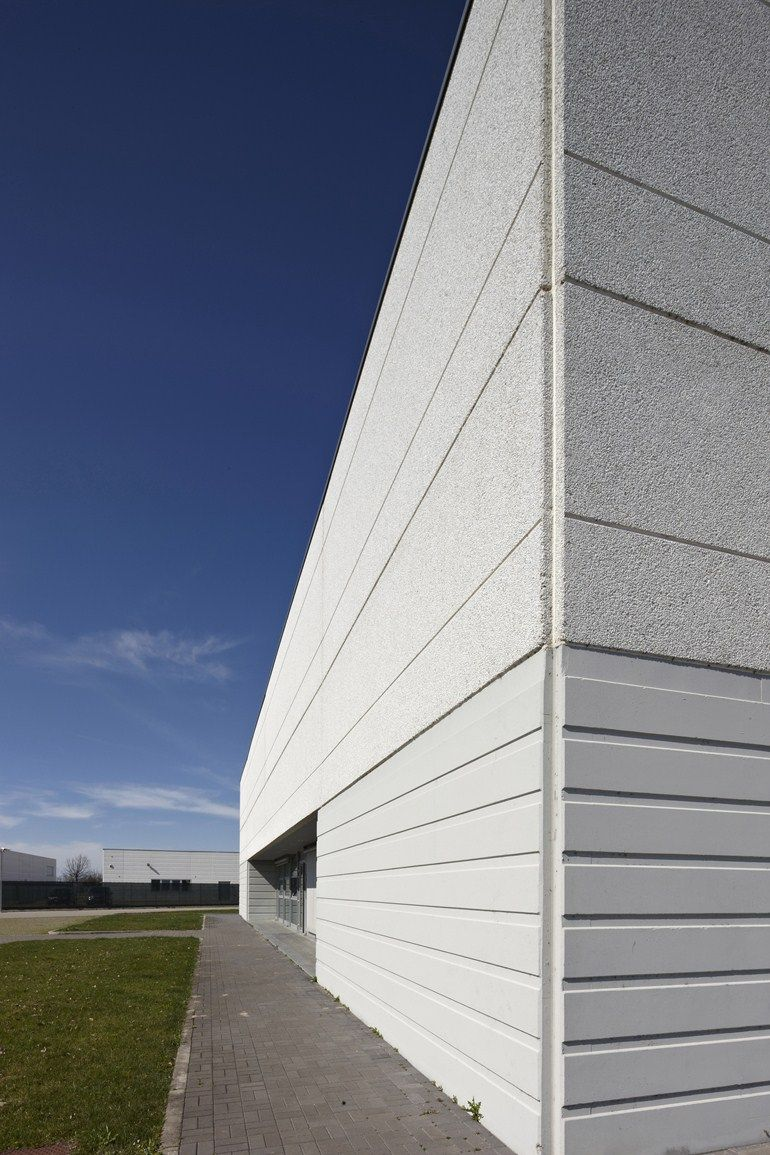 Exterior Cladding Systems: Precast Reinforced Concrete External Wall Panel Pannelli