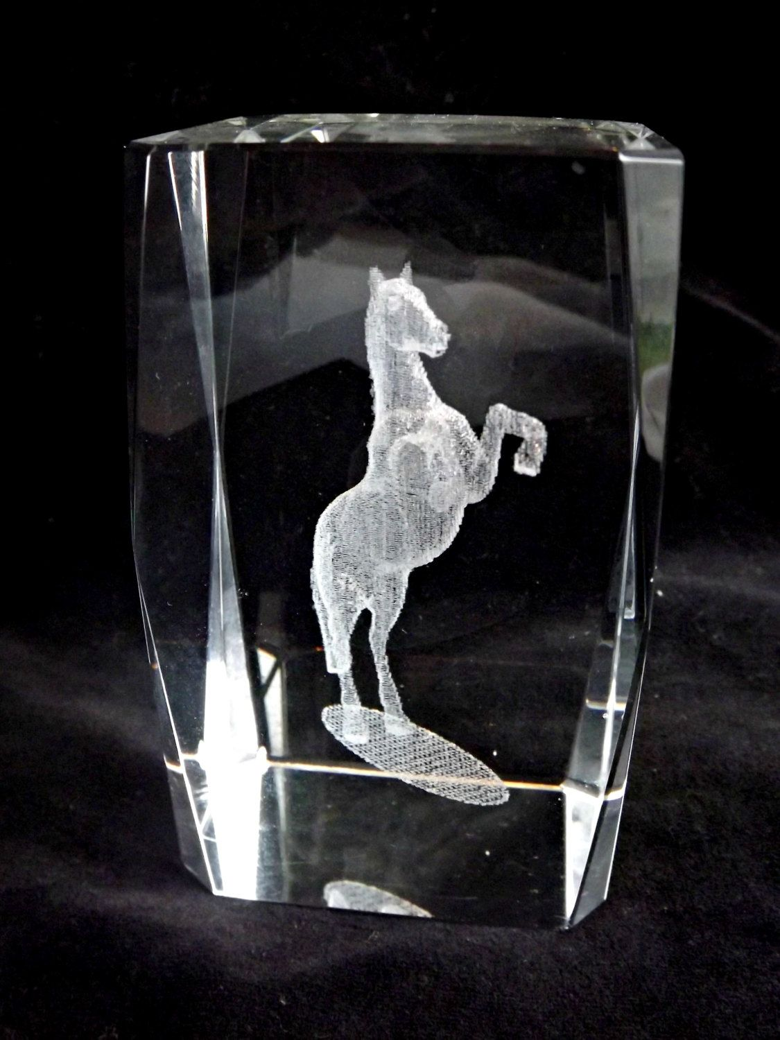 Etched Crystal Cube 3d Laser Etched Horse In Crystal