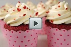 Red Velvet Cupcakes - Joyofbaking.com  Love there. And it doesn't look as complicated to make as I'd thought. Yummmmmmm.