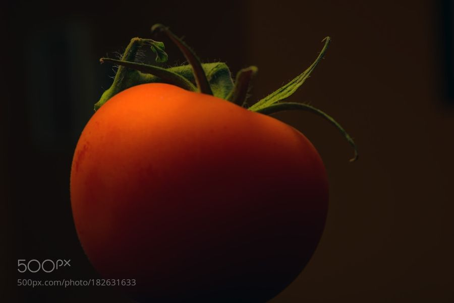 Just a Tomato by vbaiardo