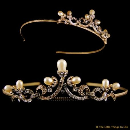 Vintage Wedding Tiara I Like The Way Curls Terminate In What Seems To Be Buds This Is A Design Idea Have Been Nursing For Quite While