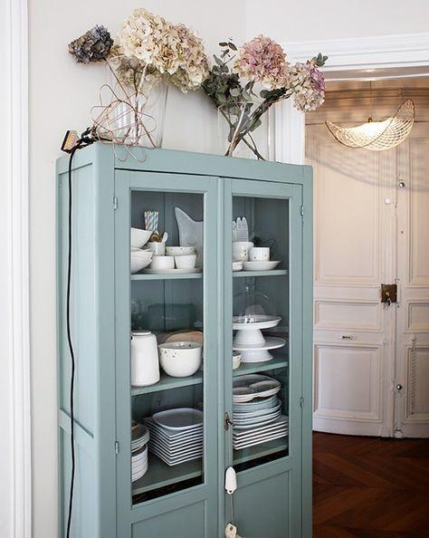 Vaisselier Interiors exposer sa vaisselle dans une vaisselier vintage restauré