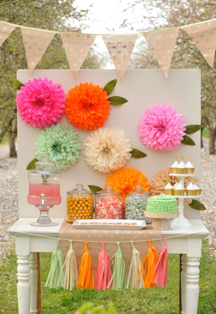 Diy tissue paper flowers diy paper flower backdrop for Paper decorations diy