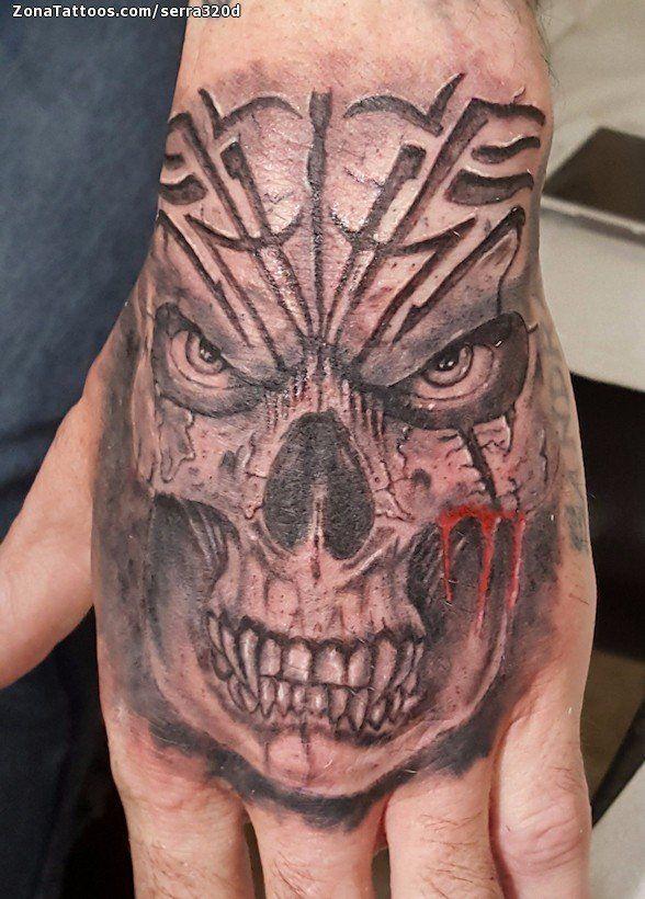 Tatuaje De Calaveras Mano Goticos Zonatattoos Com Tatuaje De La Mano Craneos Tattoo Disenos Para Tatuajes