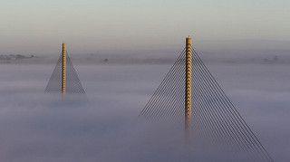 Bretagne - Brest - Le Pont de l'Iroise dans la brume