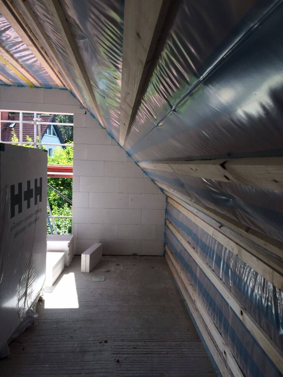 Wir Erhalten Ein Dach Dachstuhl Dachlattung Dammung Dachpfannen