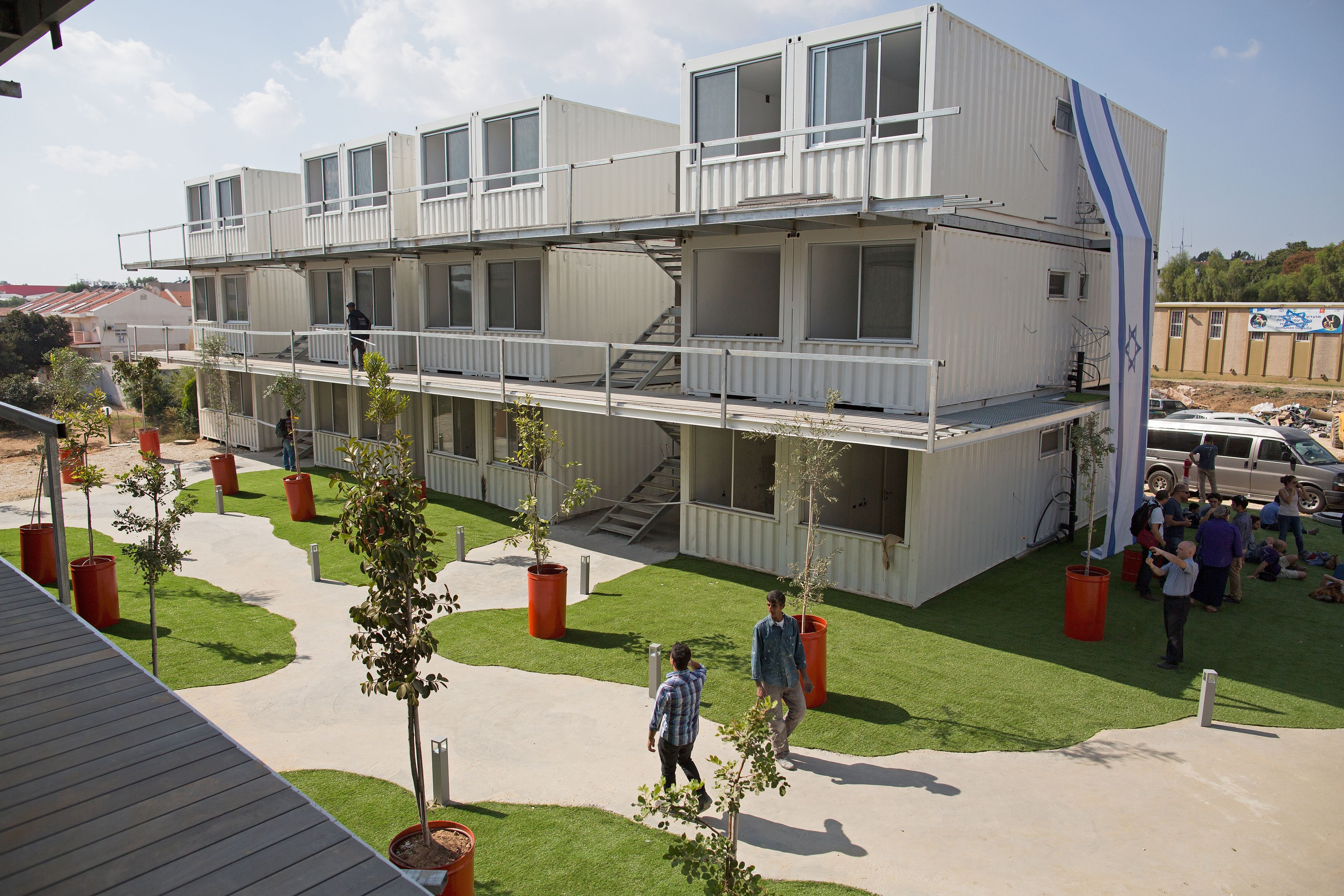 Affordable student housing is so scarce in israel that students will soon live in metal boxes - Affordable container homes ...