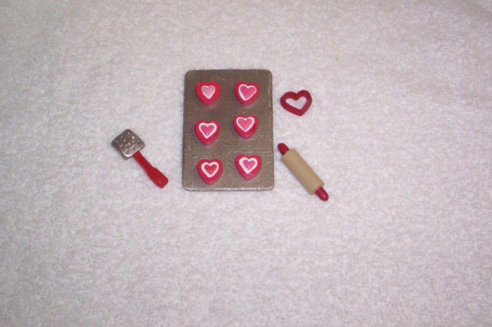 Dollhouse Miniature cookie sheet set cookie sheet,4 cutters,spatula,rolling pin
