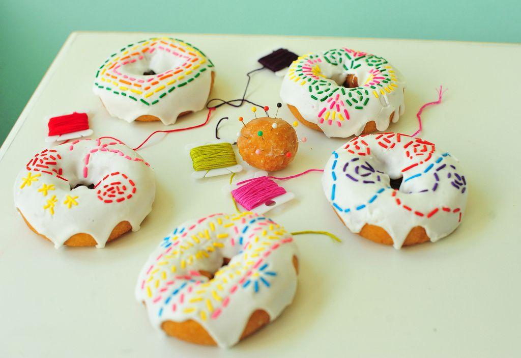 Hulvaton lahjaidea käsityöihmiselle! #donitsi #doughnut