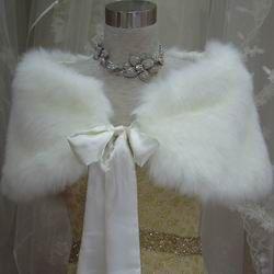 fur stoles for winter wedding