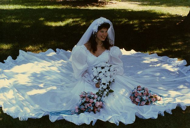 27 Of The Most Amazing '80s Weddings You'll Ever See In