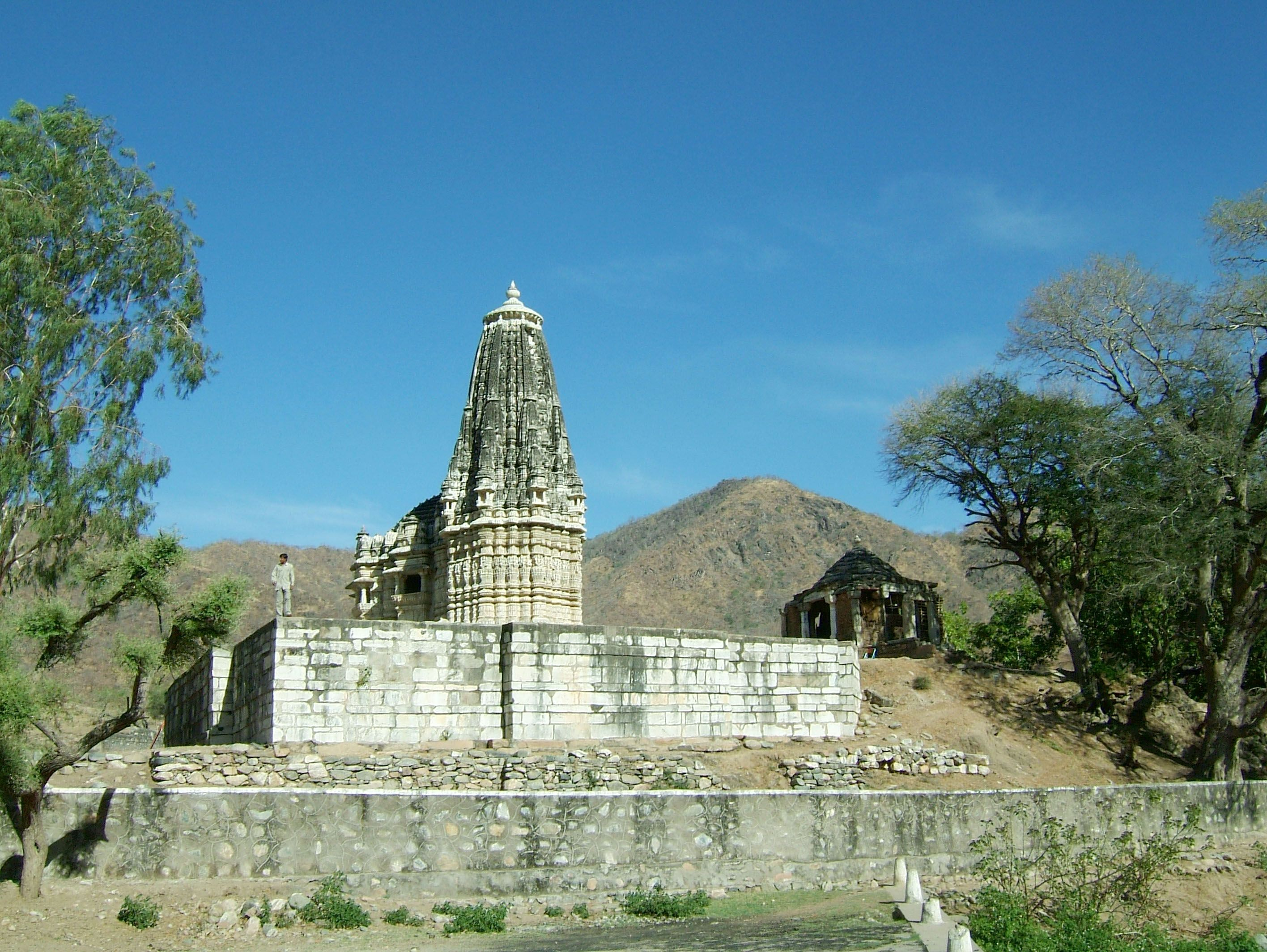 Sun Temple, maintained by Royals of Udaipur, Ranakpur, Pali district, India Date: 12 March 2004 Photo by Acred99
