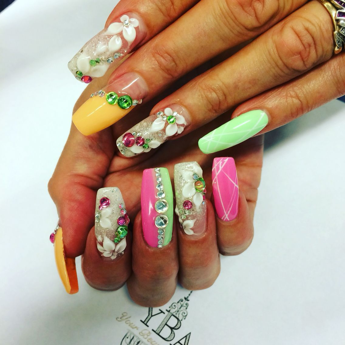 Stay focused and extra sparkly 😉 your beauty artist Dai #YBA #Beauty #järvenpää #jewels #nails #sparkly