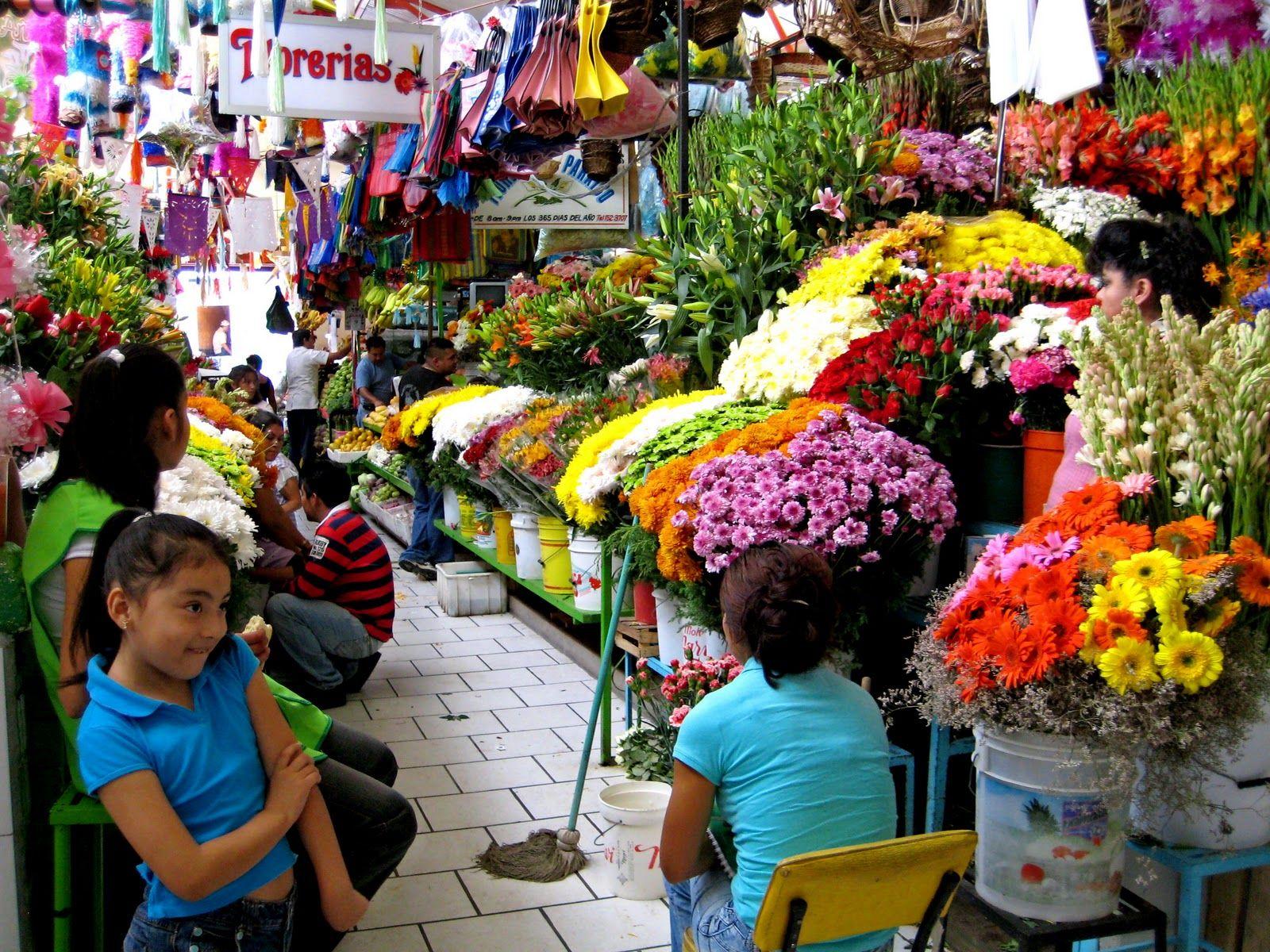 Flowers market in San Miguel de Allende, Mexico | San miguel de ...