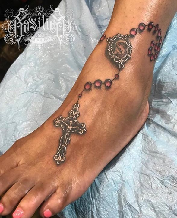 olio: Freehand Tattoo by @NoelinWheeler from Basilica Tattoo - 20170722 #rosaryfoottattoos