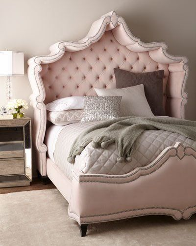 This Pink Bed Belongs At Versailles Bedroom Beds Furniture Versailles Marieantoinette Rococco Baroque Fr
