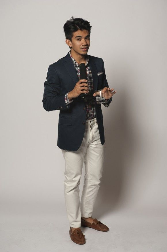 What To Wear For Men A Summer Wedding Tailored Navy Jacket White Jeans Madras Shirt