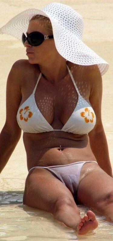 Free Celebrity Porn Images Jessica Simpson Bikini Camel