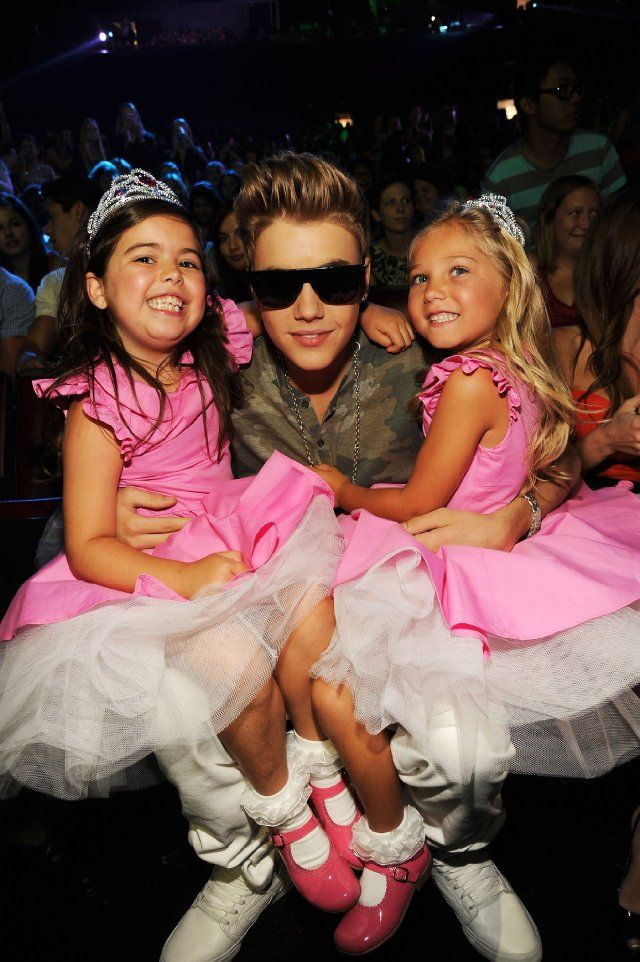 Justin Bieber, Sophia Grace and Rosie at Teen Choice Awards