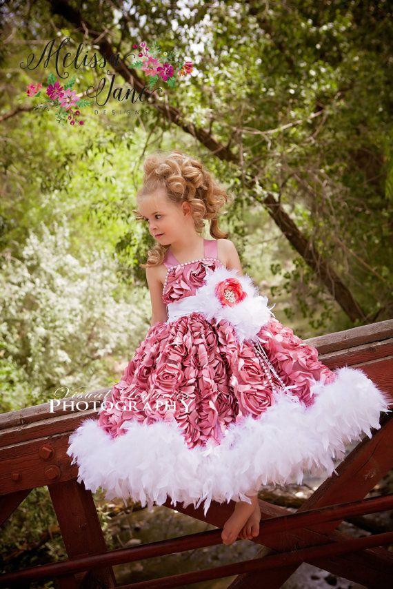 Vestido polvoriento rosetón rosa malva   Rosetón, Malva y Vestiditos