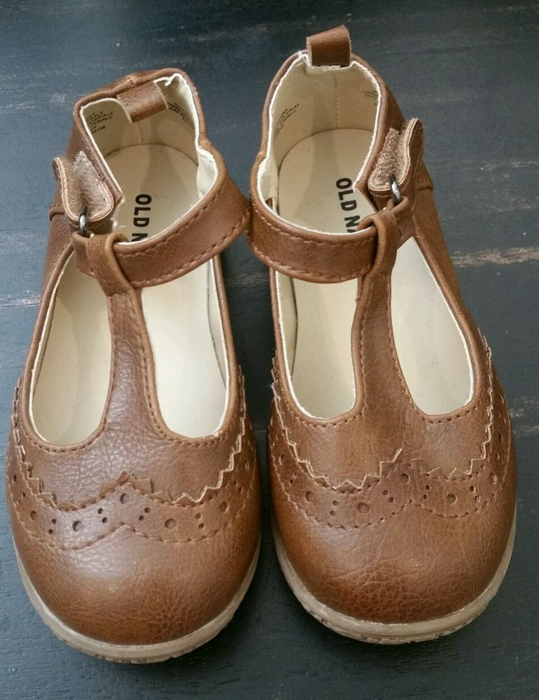 56e6fb774e12 Toddler Girl Old Navy Brown T Strap Mary Janes Shoes size 7  OldNavy   MaryJanes