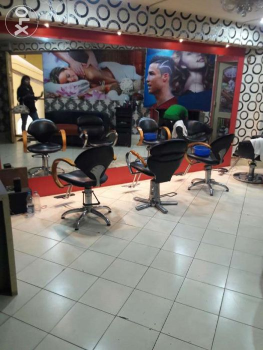 Fully Furnished Running Spa And Salon For Rent Kolkata Parlours And Salons Spa Rent Spa Salon
