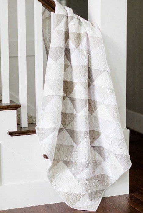 Modern gray and white neutrals quilt is part of Neutral quilt, Quilts, Triangle quilt, Farmhouse quilts, Neutral baby quilt, Half square triangle quilts - Modern gray and white halfsquare triangle quilt  Simple instructions included