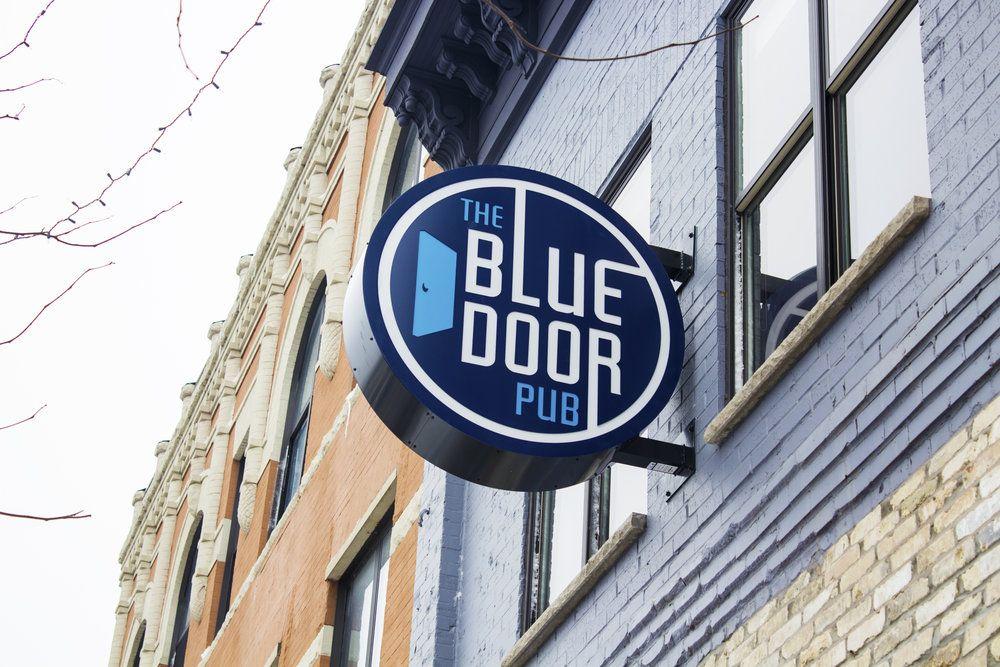 Blue Door Pub St Paul Mn Travel Minnesota Late Night Happy Hour Blue Doors