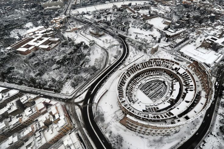 From Snow Storms In Rome And Superbowl Xlvi To Protests In Egypt And Queen Elizabeth Ii S Jubilee Time S Photo Department Presents T Rome Famous Places Aerial