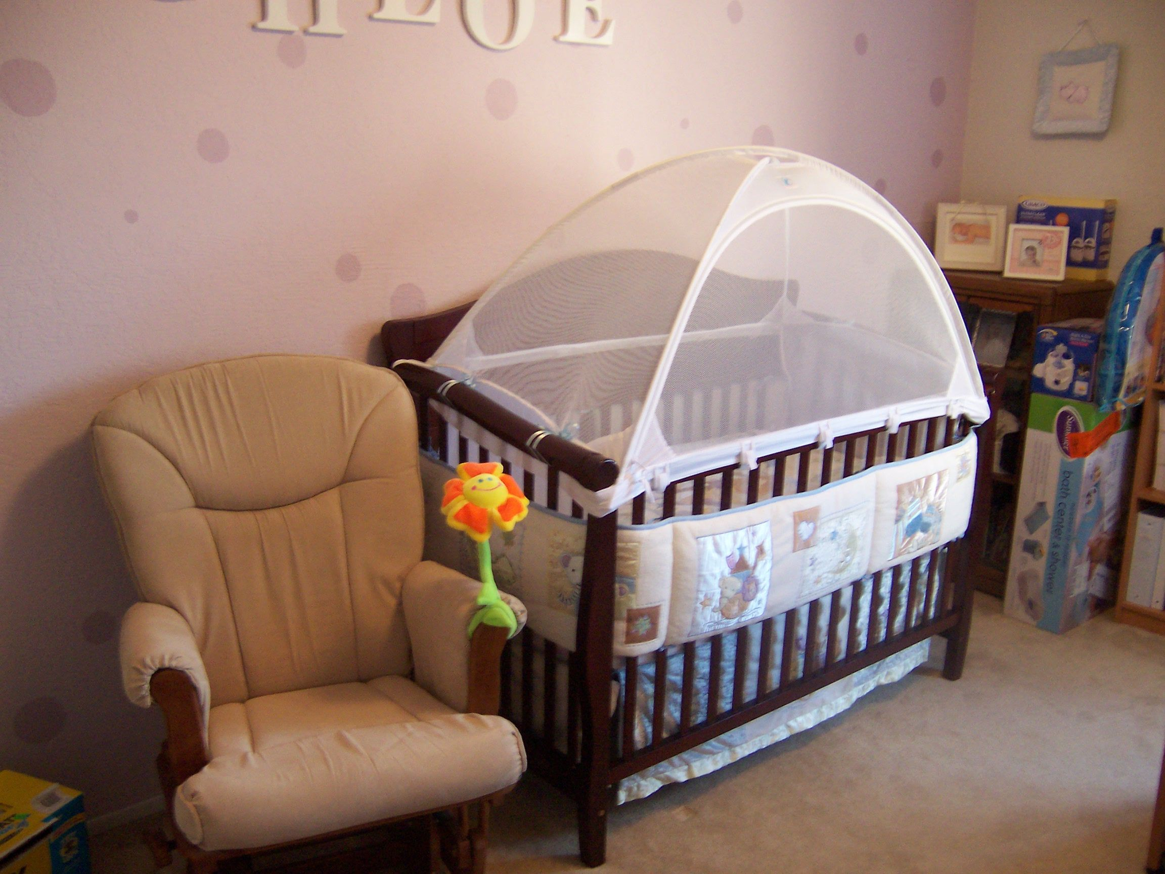 Crib Tents To Keep The Kitties Out I Need One Of These I