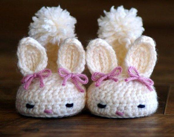 Como tejer zapatitos de conejo para bebe03 | crochet | Pinterest