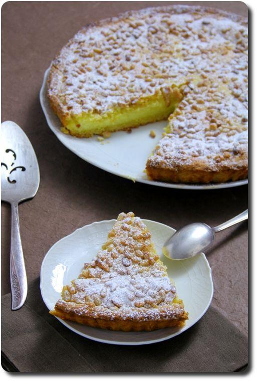 Photo of Torta della nonna (tourte à la crème pâtissière et pignons)