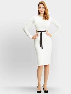 Du hast einen großen Busen und suchst nach den richtigen Klamotten? Dann verrät dir hier Modedesignerin Melanie Grosser, alles, was du beachten musst.