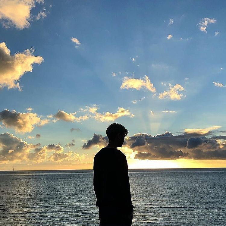 Young 90 S On Instagram Sunset Or Sunrise Cr To Rightful Owner Ulzzang Ulzzangboy Ulzza Fotografi Alam Fotografi Pemandangan Fotografi