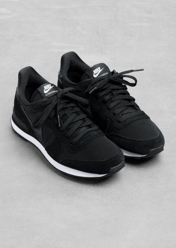 nike internationalist women's shoe black