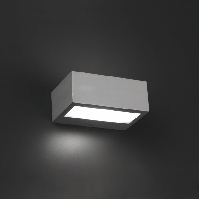 Aplique de exterior hal geno de dos salidas lamparas for Iluminacion exterior lamparas
