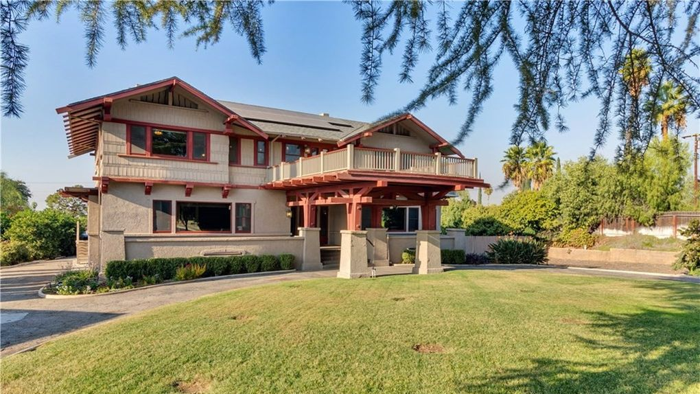 This Historic Redlands Ca Home May Earn A Buyer A Spot On Hgtv Redlands Real Estate California Homes