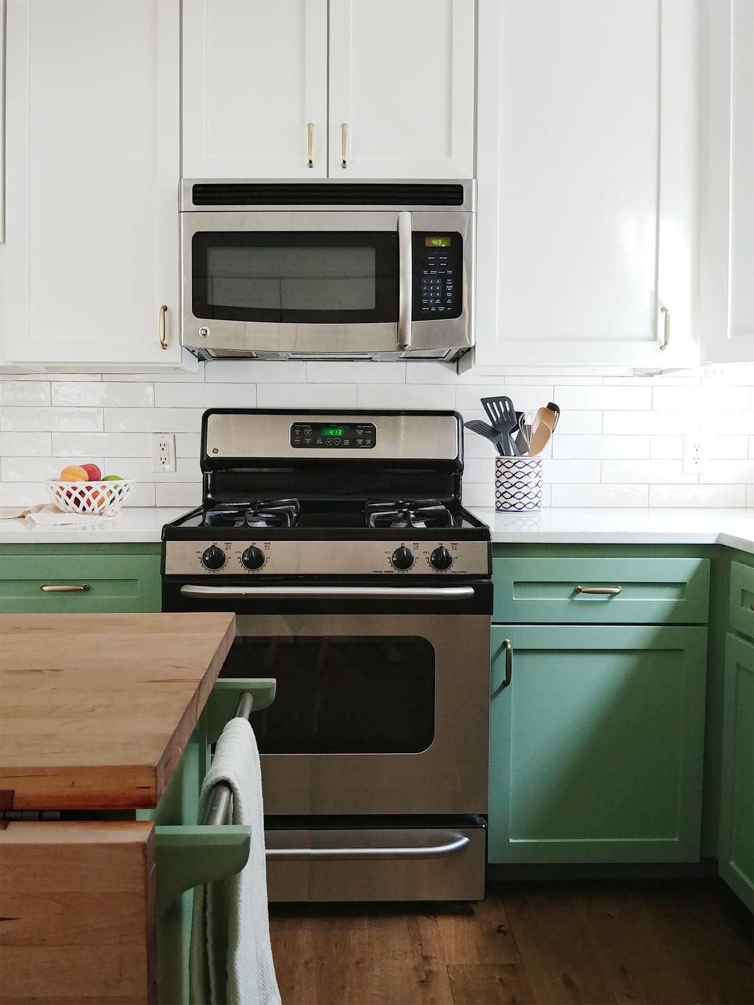 Kitchen Cabinets In Bm 445 Greenwich Village And Sw 7008 Alabaster Painting Cabinets Painting Kitchen Cabinets Shaker Kitchen Cabinets