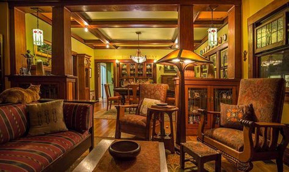 44 Stunning Craftsman Living Room Decor Ideas #craftsmanstylehomes