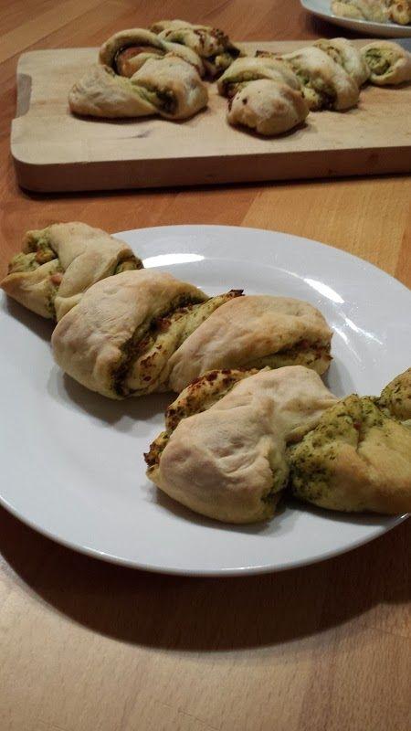 Die Hobbykochbäcker: Pestofetazopf